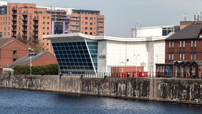 Casinos and Wagering Shops to Close From 14 October in Liverpool